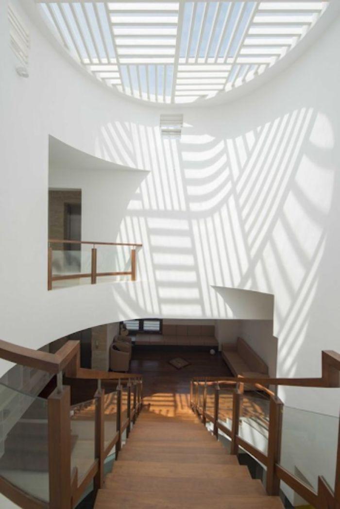 Mái kính giếng trời cùng giếng trời cho ngôi nhà nhiều tầng