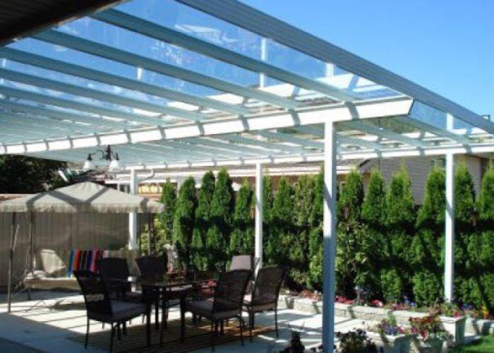 Các mẫu mái kính làm cho sân thượng trở nên hiện đại và sang trọng