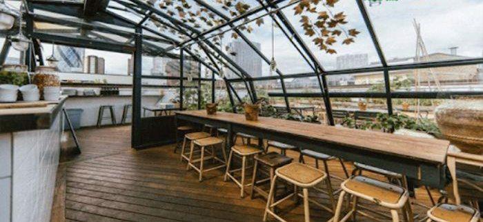 Mái kính nhôm xingfa sân thượng được thiết kế hình vòm