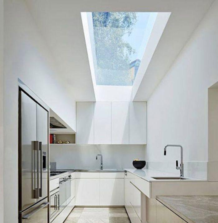 Mái kính sân thượng giếng trời giúp lấy ánh sáng cho nhà bếp