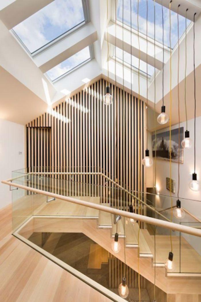 Mái kính nhôm xingfa trượt dạng chóp lắp ở trên cầu thang