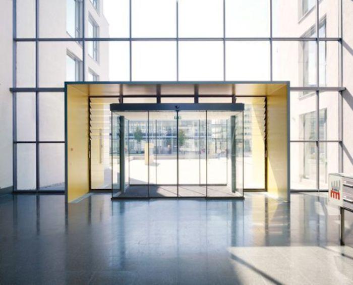 Mẫu mặt dựng nhôm kính cho tòa nhà hiện đại