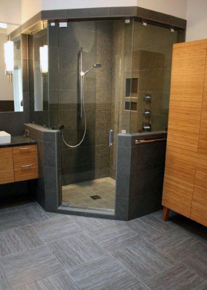 Phòng tắm kính 135 độ được đặt ở góc phòng