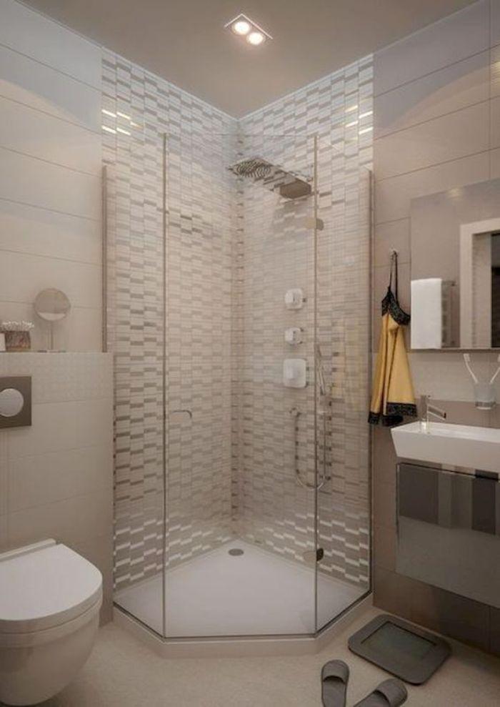 Mẫu phòng tắm kính 135 độ là một lựa chọn nên có trong ngôi nhà của bạn