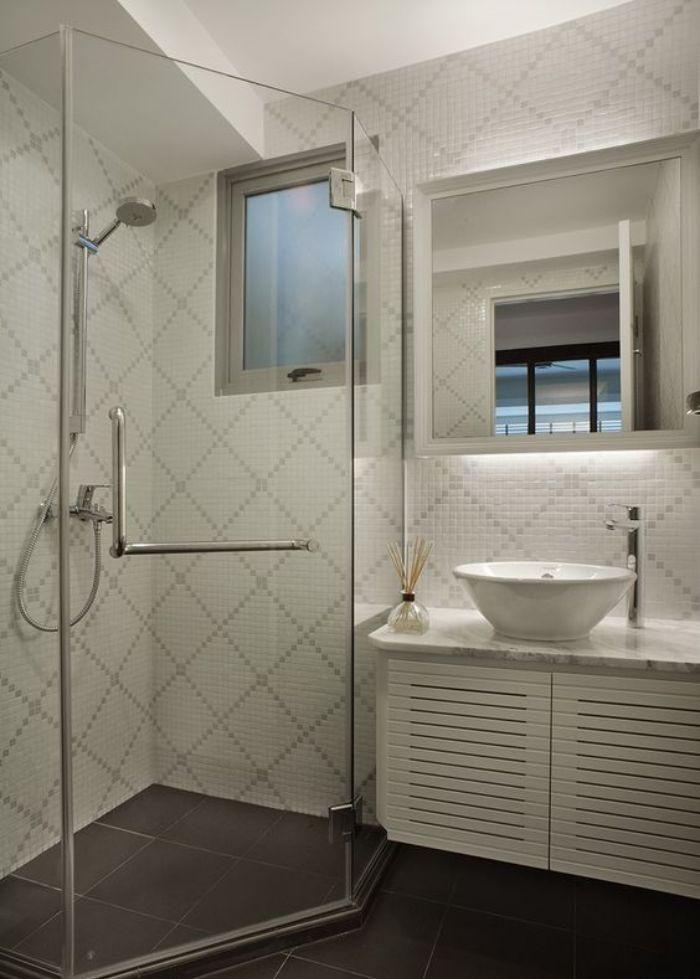 Phòng tắm kính 135 độ với thiết kế trang nhã