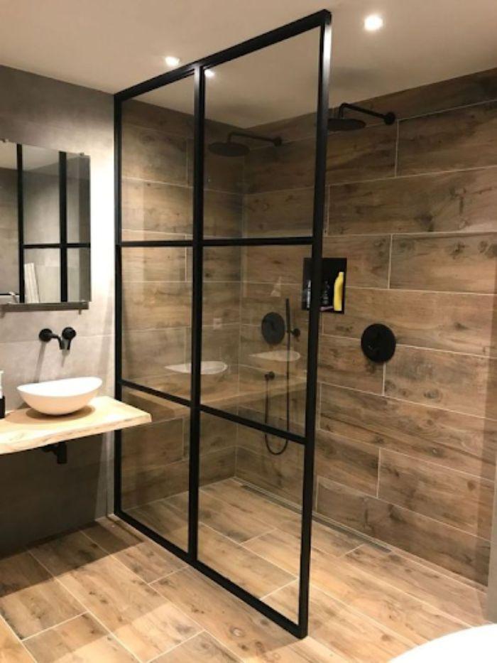 Phòng tắm kính đứng cửa lùa