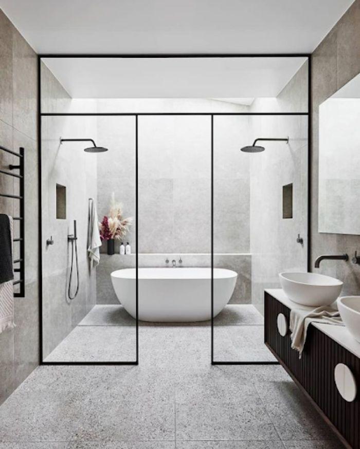Phòng tắm kính lùa tông đen trắng