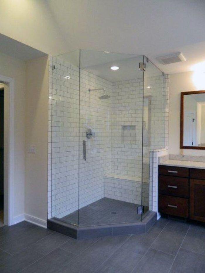 Phòng tắm kính đứng có nhiều mẫu mã khác nhau
