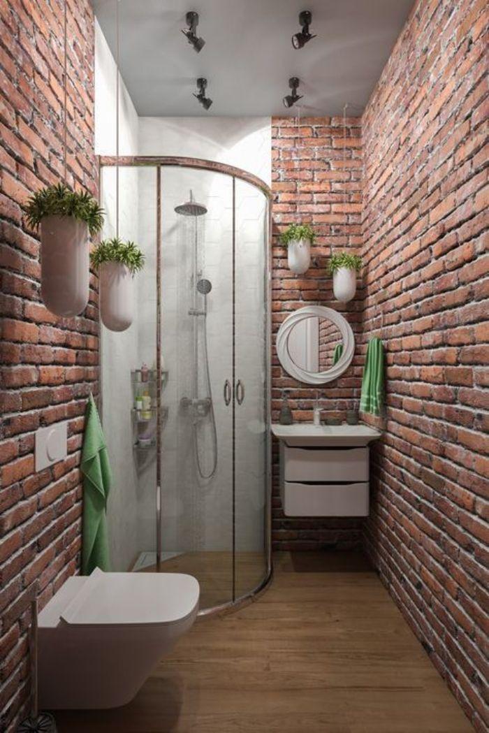 Phòng tắm kính đứng cong với phong cách cổ điển mới lạ