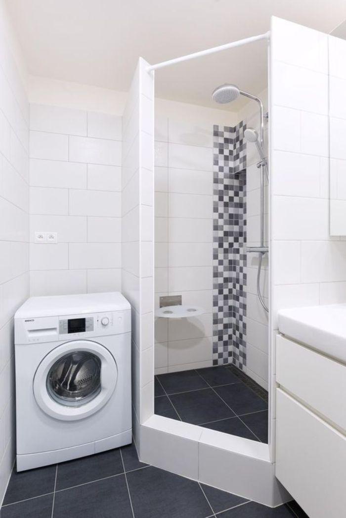 Phòng tắm kính đứng vát góc màu trắng