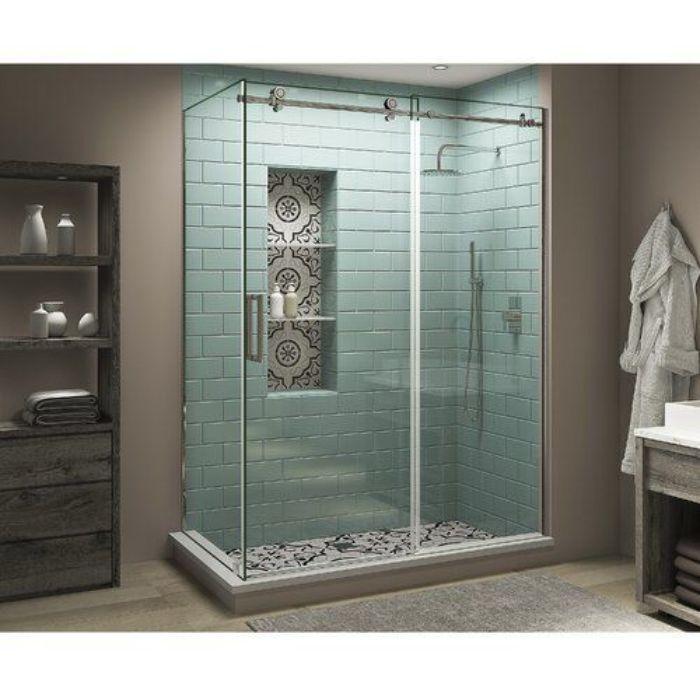Phòng tắm kính lùa đứng với tông màu trầm cổ điển