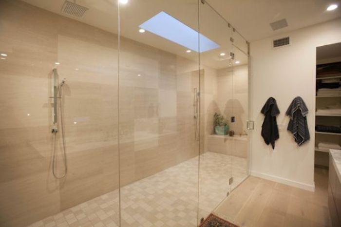 Phòng tắm kính lùa đứng phong cách nhã nhặn cho phòng ngủ