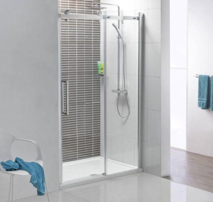 Phòng tắm kính lùa treo diện tích nhỏ