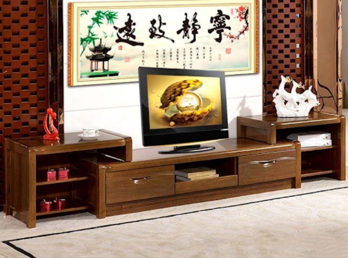 Tủ tivi nhôm kính vân gỗ có thiết kế tối giản