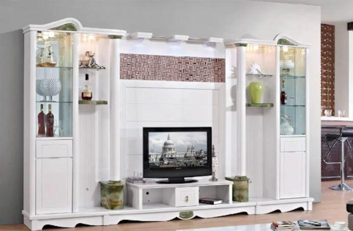 Tủ tivi nhôm kính màu trắng sữa có thiết kế bắt mắt