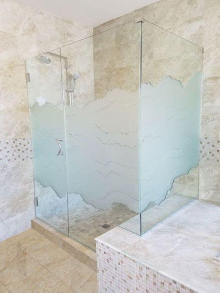 Vách kính mờ phòng tắm có thiết kế đẹp, ấn tượng