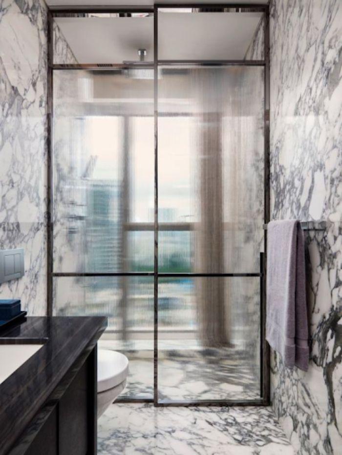 Vách kính mờ phòng tắm với ý tưởng thiết kế mới mẻ