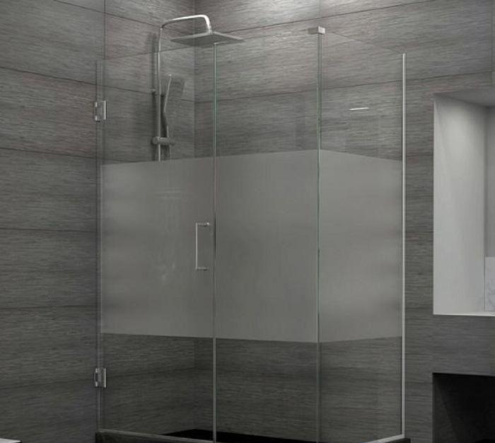 Vách kính mờ phòng tắm có thiết kế trang nhã