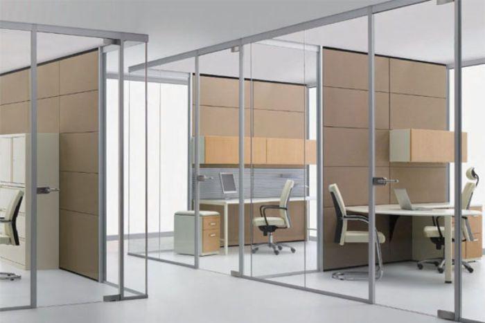 Vách ngăn nhôm kính xingfa cửa lùa tại văn phòng công ty
