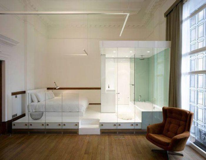 Sử dụng vách kính tắm phòng ngủ là một ý tưởng độc đáo