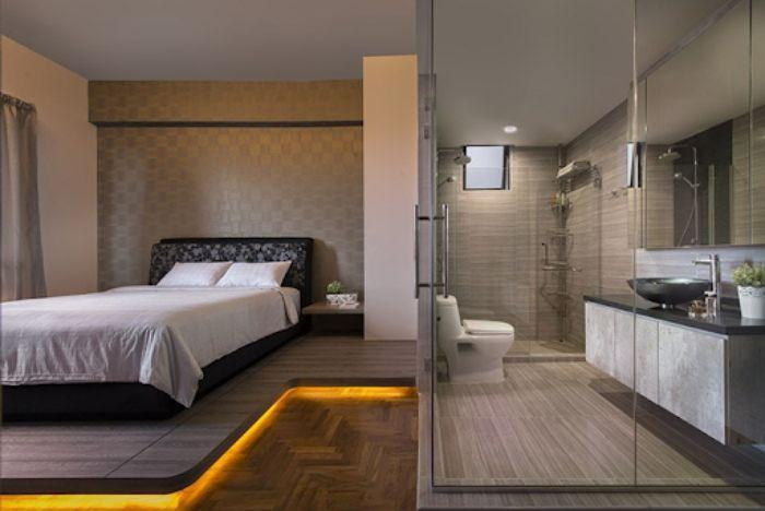 Mẫu phòng tắm kính trong phòng ngủ đứng có cửa mở quay