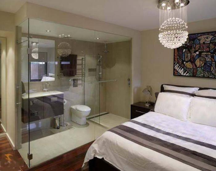 Mẫu phòng tắm kính trong phòng ngủ đứng với diện tích nhỏ