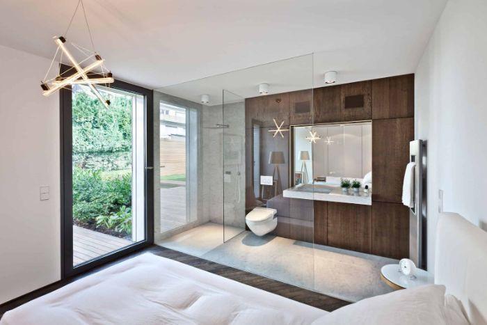 Mẫu phòng tắm kính trong phòng ngủ với thiết kế sang trọng