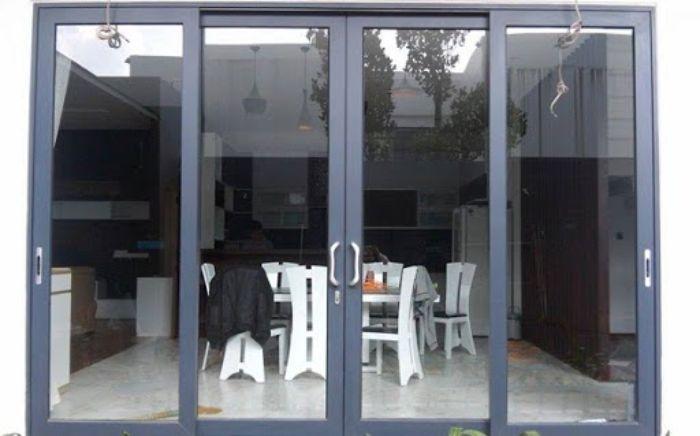 Mẫu cửa đi mở quay 4 cánh nhôm Xingfa màu xám ghi