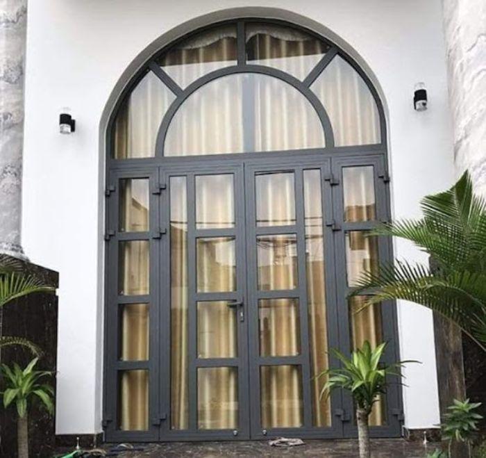 Mẫu cửa nhôm Xingfa mái vòm màu đen tuyền