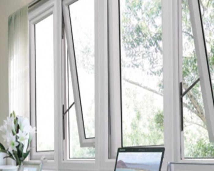 Cửa sổ hất màu trắng sứ hệ nhôm Xingfa