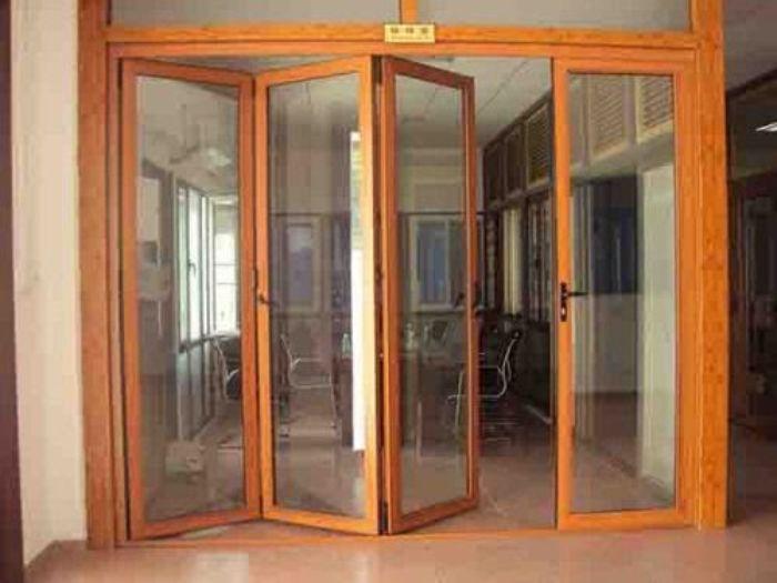 Mẫu cửa trượt vân gỗ hệ nhôm Xingfa