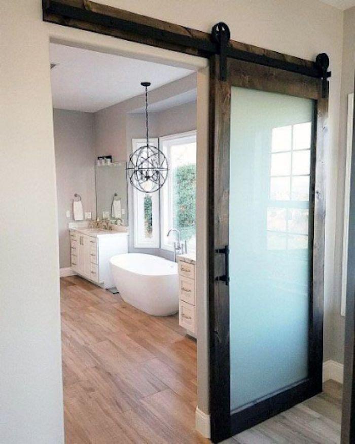 Nhà vệ sinh tiện ích hơn khi thiết kế cửa lùa 1 cánh