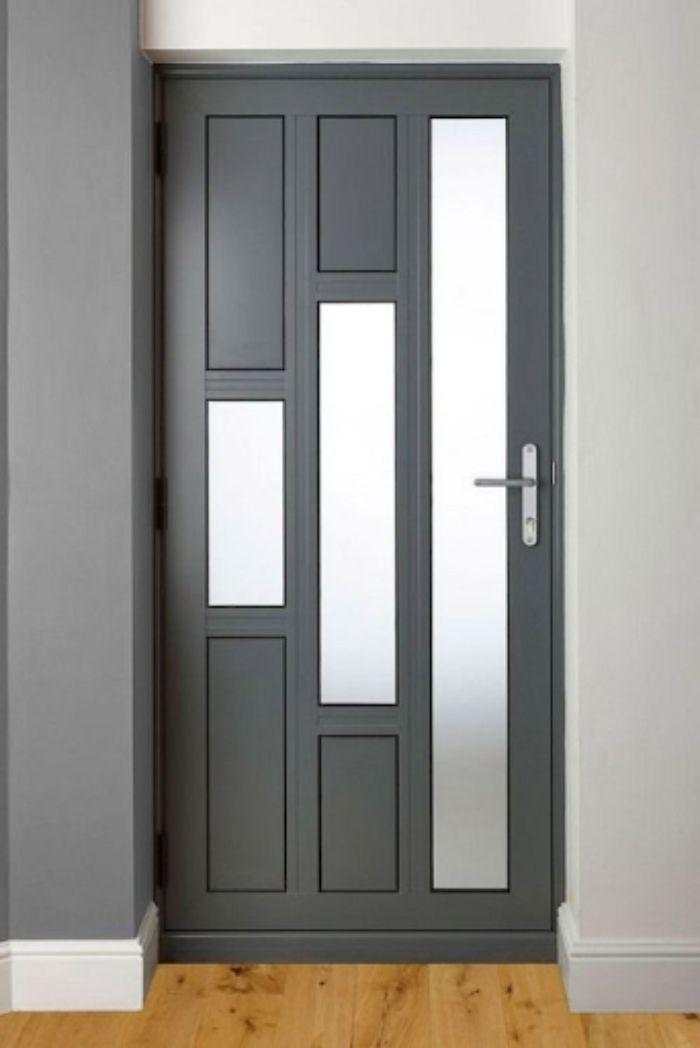 Gam màu nâu lạnh pha chút đen tuyền cho cửa phòng ngủ