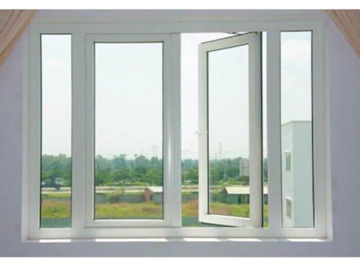 Cửa sổ nhôm Xingfa trắng dạng mở xoay 4 cánh có kích thước ô chờ tầm trung