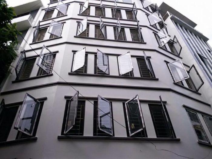 Công trình lớn có hệ thống cửa sổ thiết kế bằng nhôm Xingfa hệ 55 vát cạnh