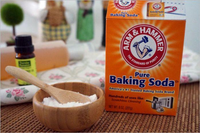Baking Soda giúp khung cửa nhôm kính lấy lại vẻ đẹp khỏi những vết ố vàng