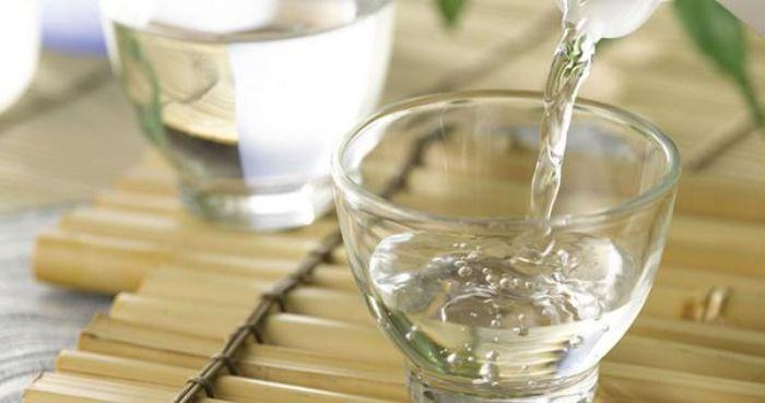 Pha chế giấm đúng cách giúp bạn lau chùi hiệu quả hơn