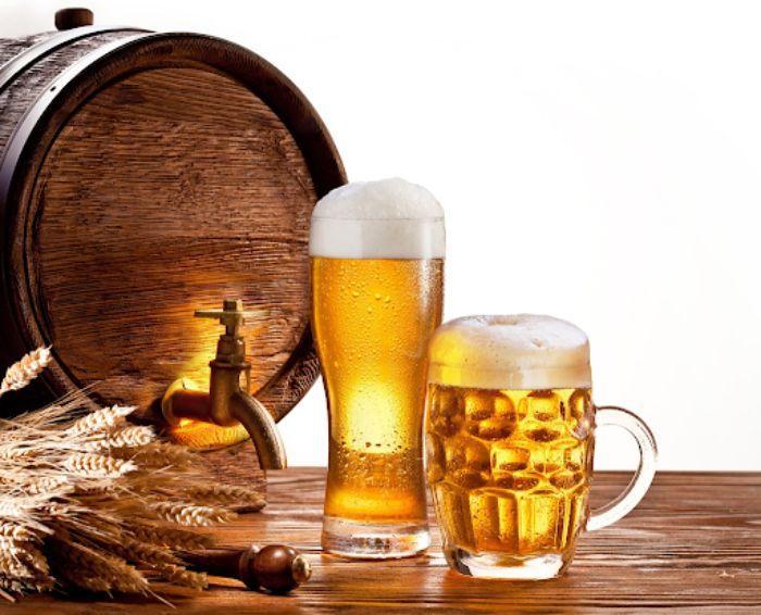 Bia có chứa cồn giúp làm sạch cửa sổ nhôm kính hiệu quả