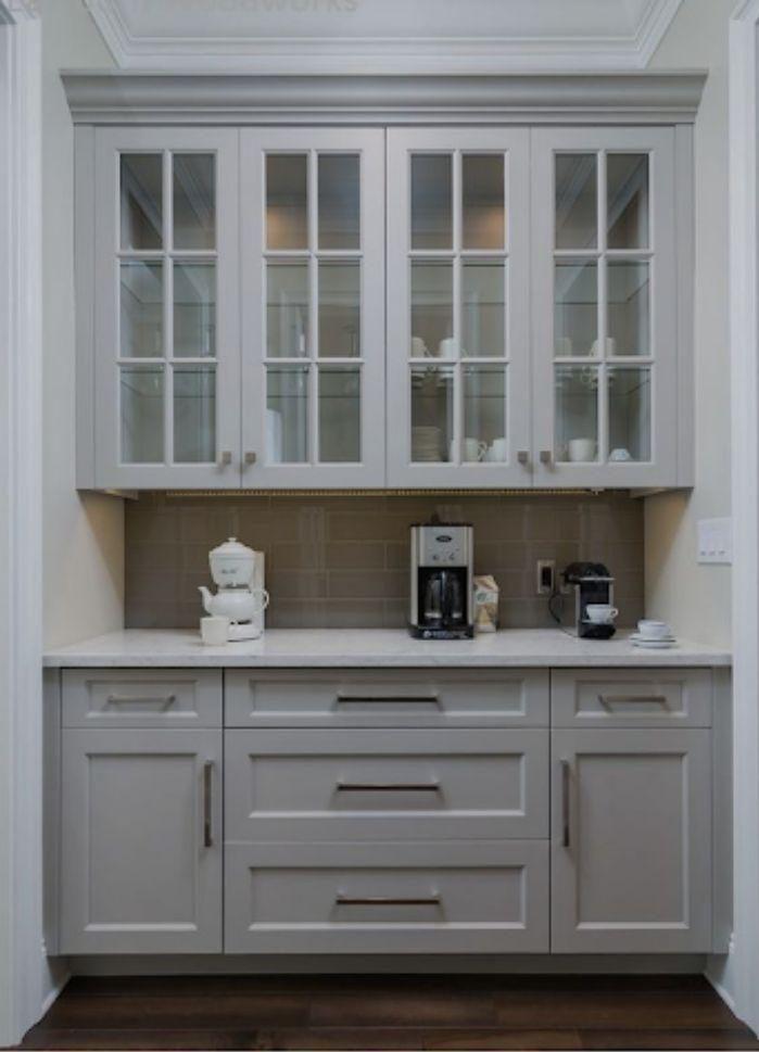 Mẫu tủ bếp nhôm kính màu trắng