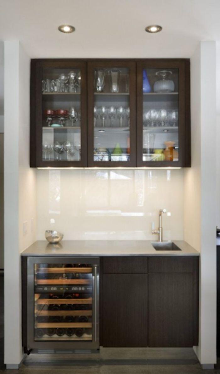 Mẫu tủ bếp nhôm kính sơn tĩnh điện