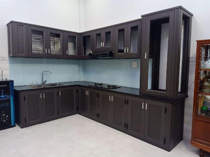 Mẫu tủ bếp nhôm kính Xingfa