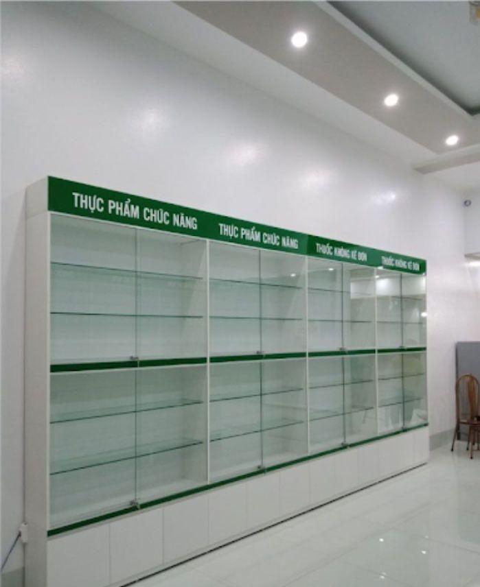 Tủ thuốc nhôm kính với các ngăn phân loại rõ ràng