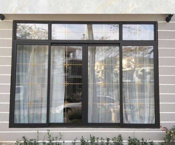 Cửa sổ nhôm kính lắp đặt ngoài trời cần thường xuyên được vệ sinh