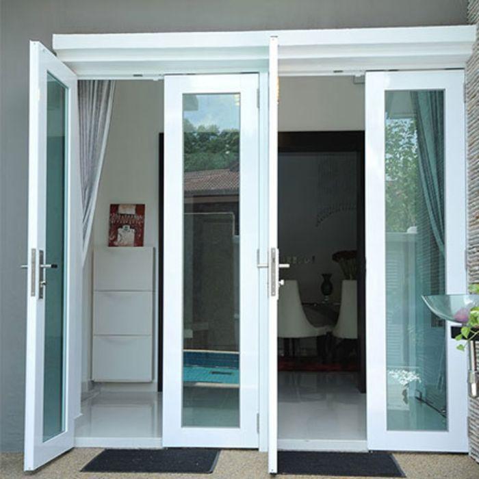 Kết cấu cửa phải phù hợp tránh làm tràn nước vào nhà