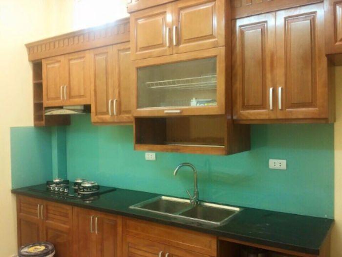 Kính ốp trong bếp màu xanh ngọc