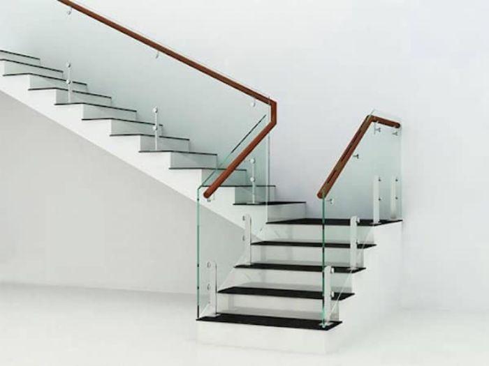 Tiêu chí xây dựng cầu thang kính zigzag rất đa dạng