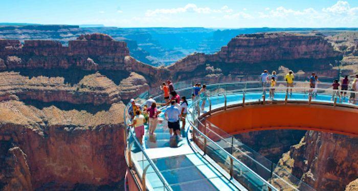 Cây cầu kính Grand Canyon West Rim ở Mỹ