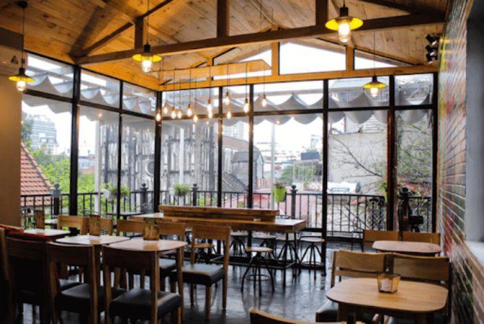 Mẫu quán cafe lắp vách kính