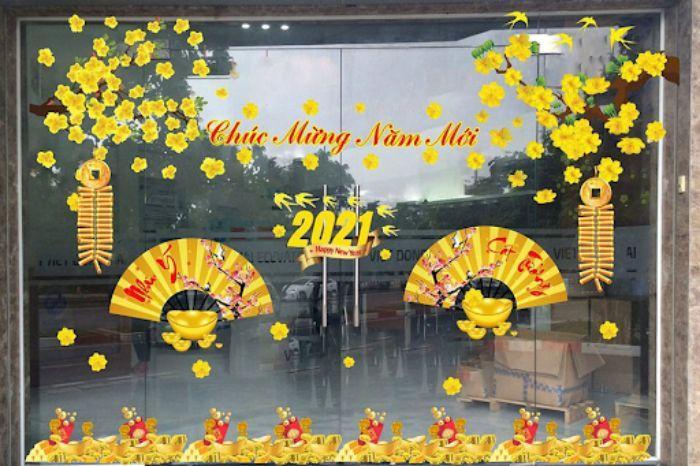 Phụ kiện hoa mai vàng dán kính shop quần áo